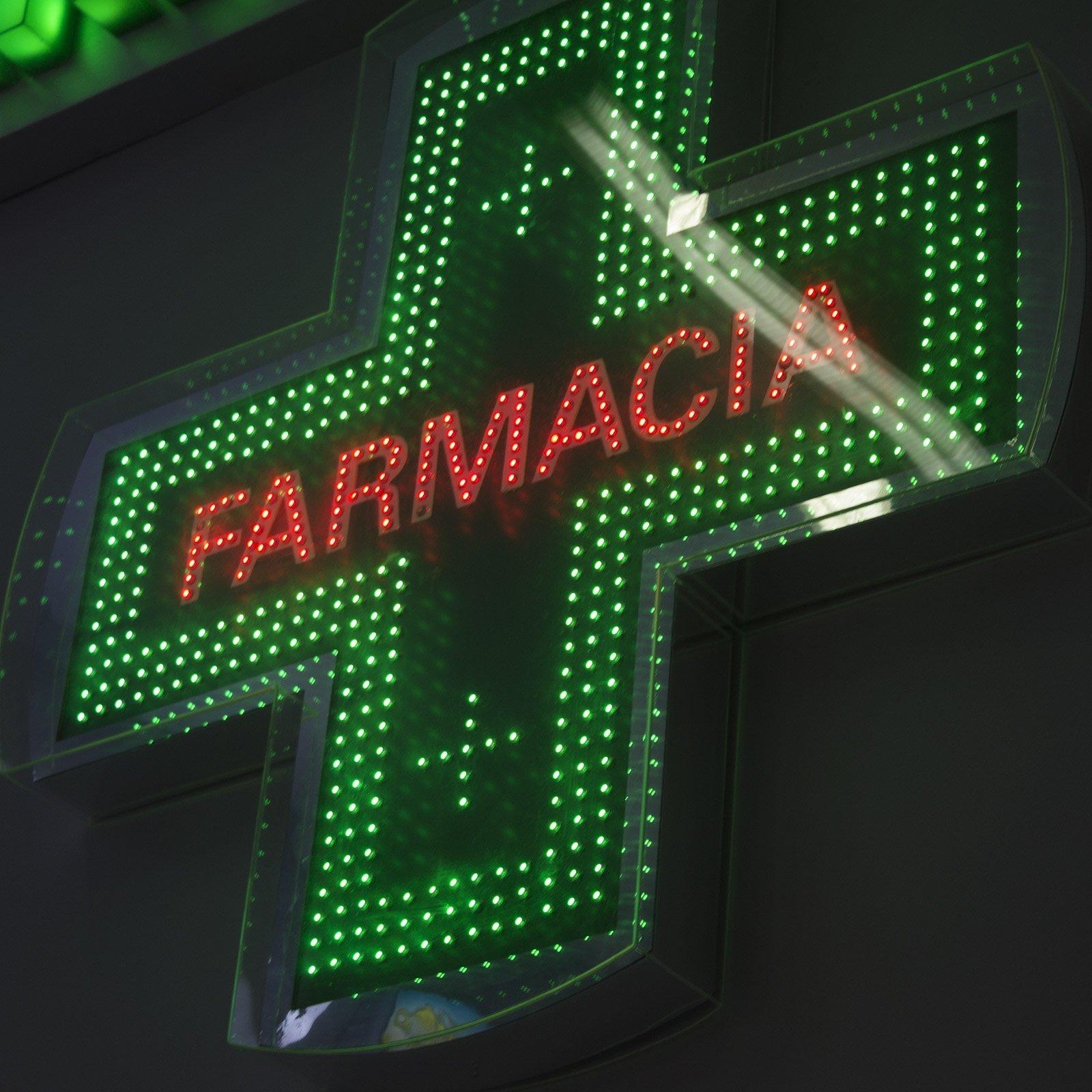 Croce farmacia - insegne a led