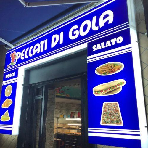 realizzione insegne in plexiglass a Napoli